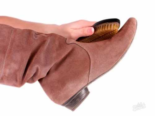 Уход за замшевой обувью: как чистить обувь из