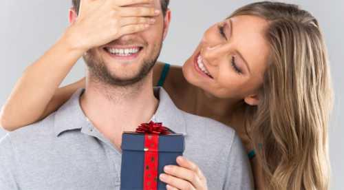 Почему мужчина не дарит подарки: ищем причины в себе